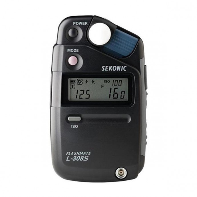 A top-quality exposure meter that measures both natural light and flash light.