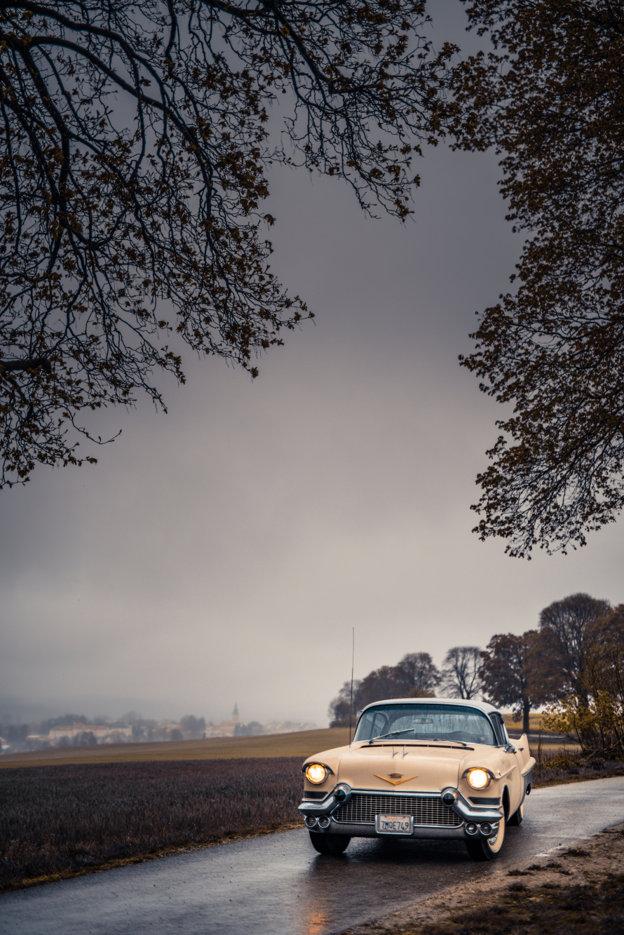 How to Photograph Vintage Cars - frame