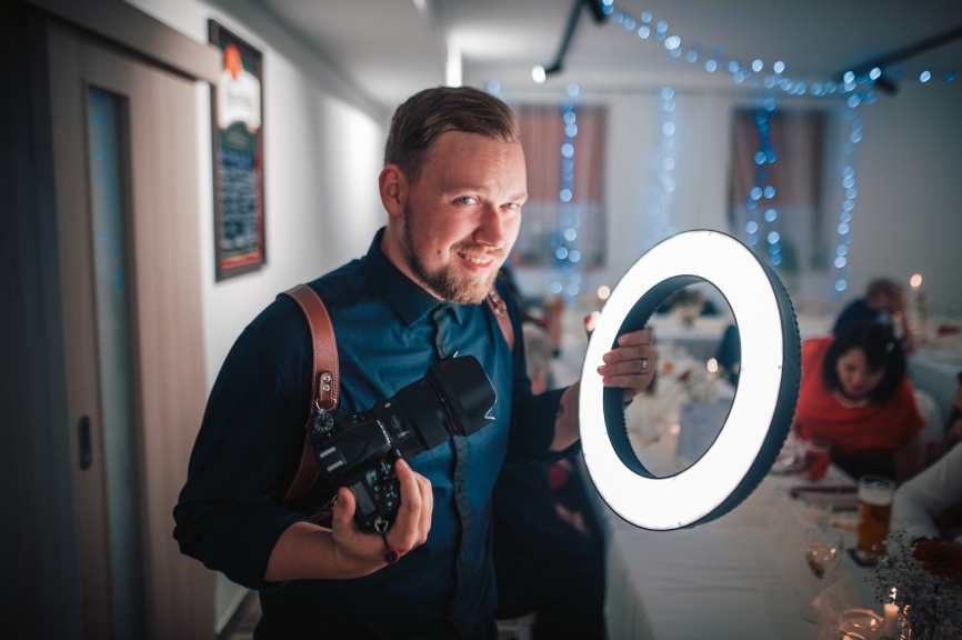 Portraits With an LED Ring Light - Matěj Liška